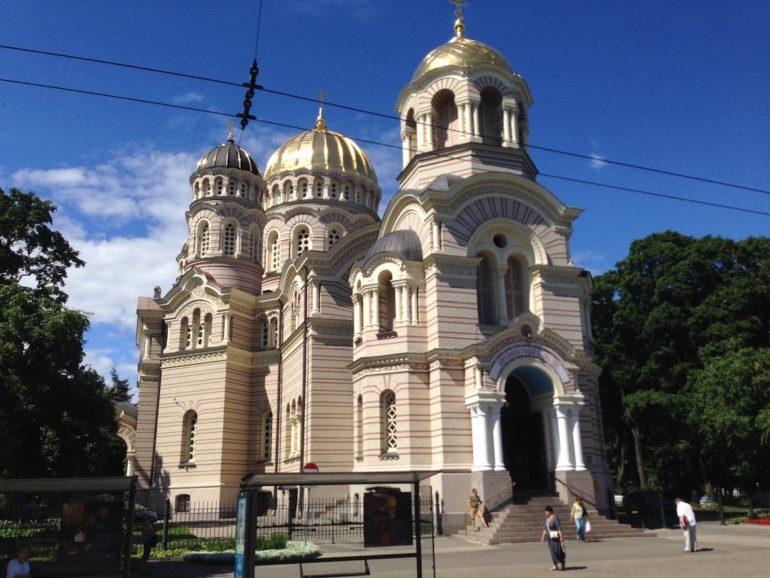 Baltikum: Kirche in Riga