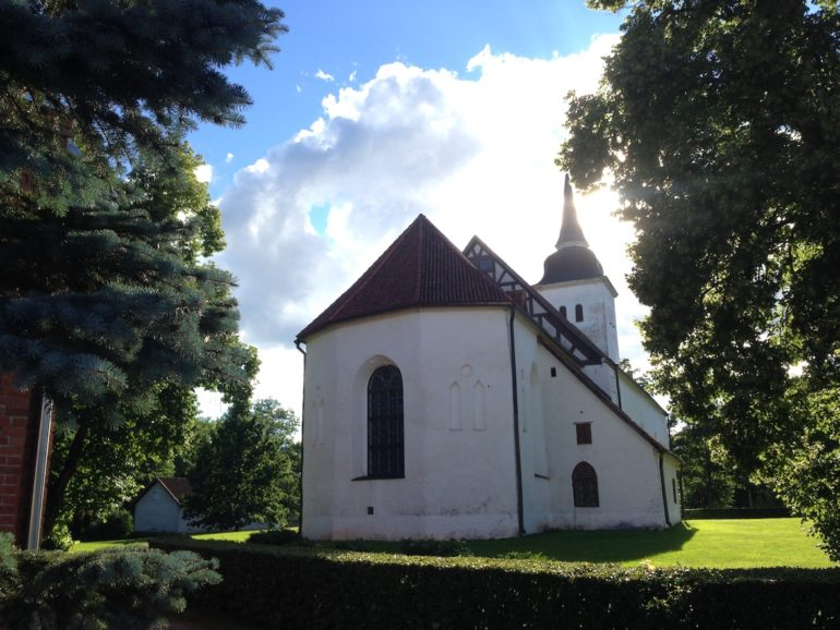 Baltikum: Kirche in Viljandi