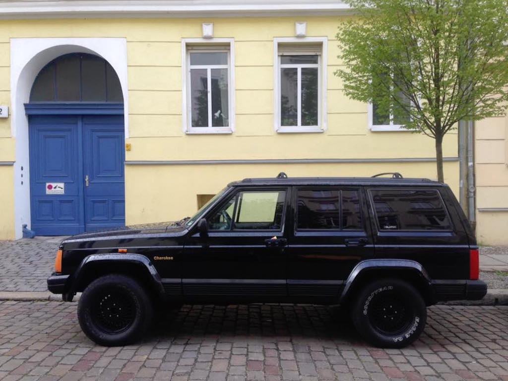 Oldtimer Berlin: Jeep Cherokee