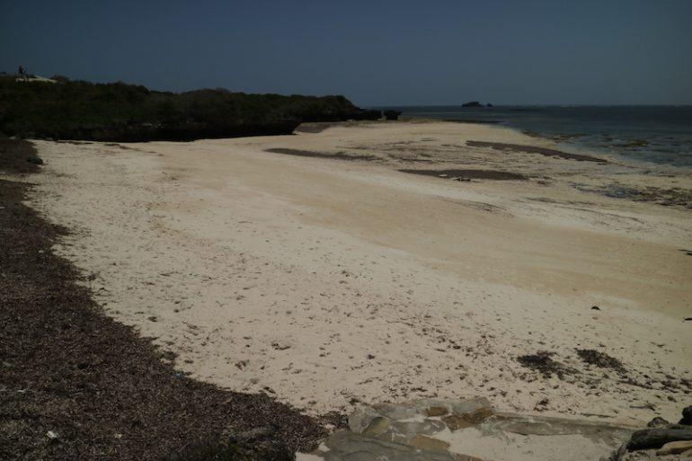 Kenia Strand: Sand und Wasser in garoda Beach