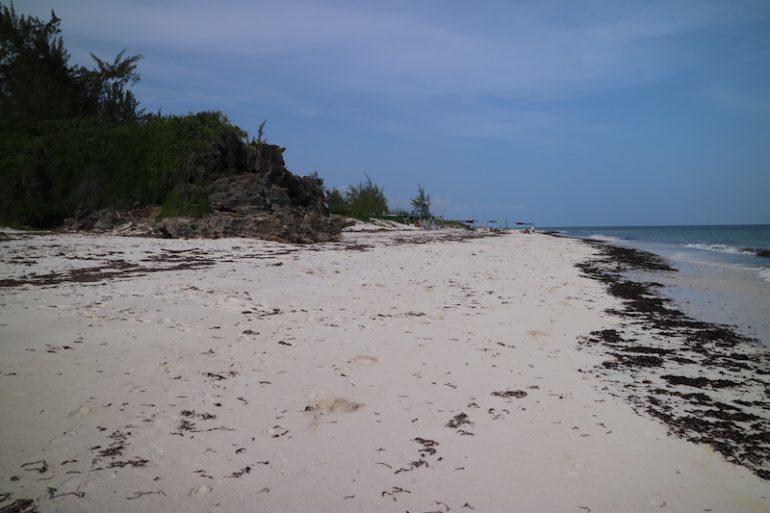 Kenia Strand: Sand und Wasser am Garoda Beach