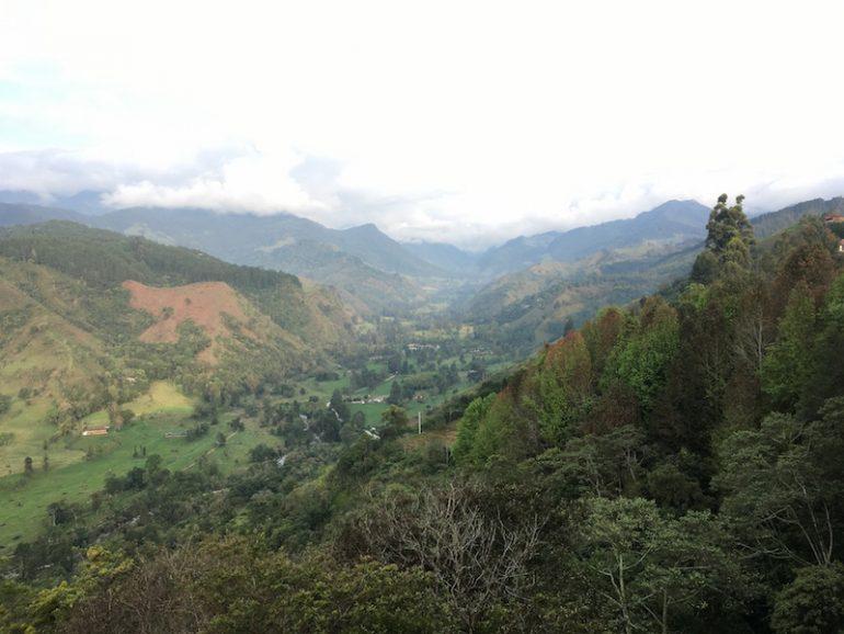 Kolumbien Reisetipps: Blick von einem Aussichtspunkt in Salento