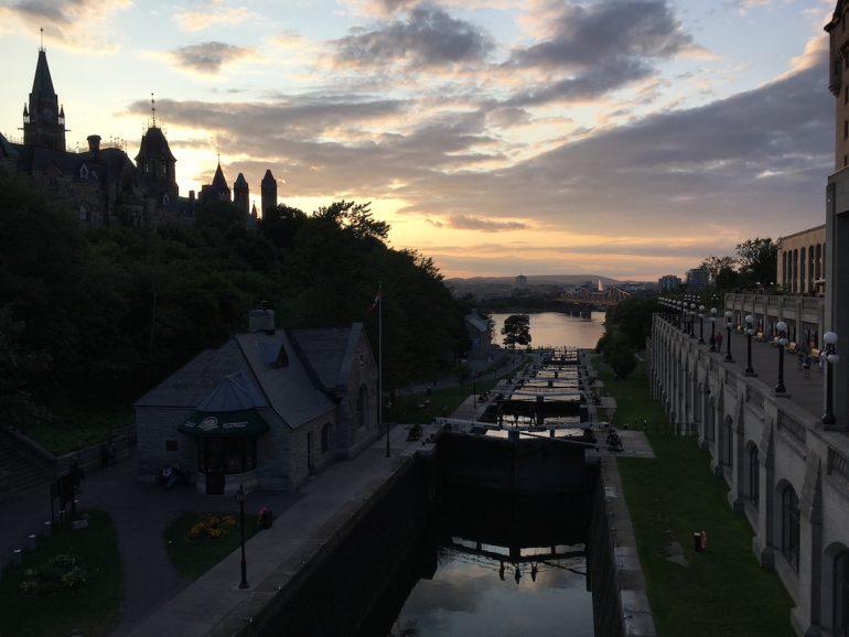 Great Trail: Hotel und Staustufen in Ottawa