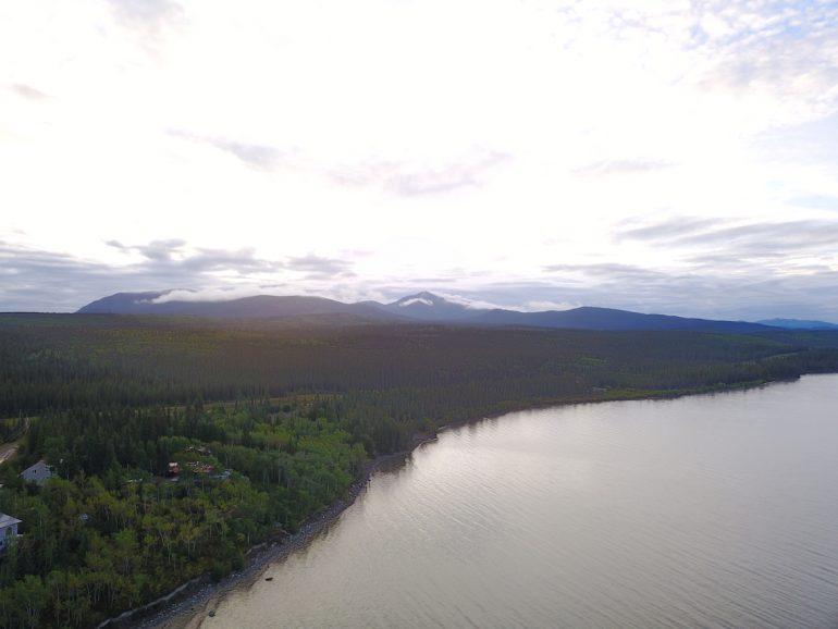 Great Trail: Luftaufnahme des Marsh Lake