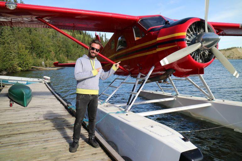 Marco Buch mit Wasserflugzeug im Yukon