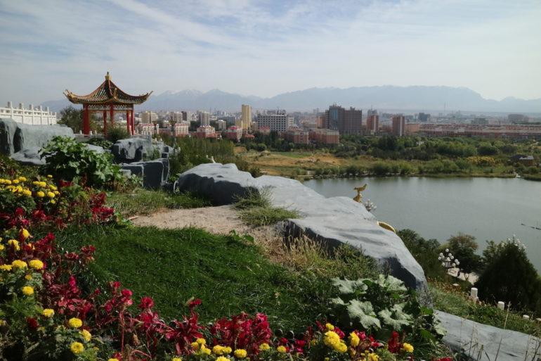 Innere Mongolei: Blick vom Yingpan Mountain auf Alxa Left Banner