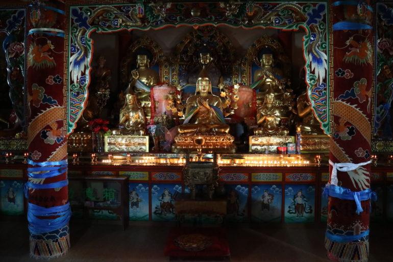 Innere Mongolei: Statuen im Guangzong-Tempel