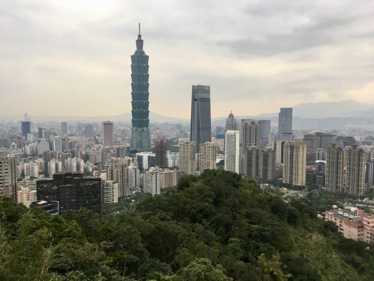 Blick auf das Taipei 101 vom Elephant Mountain