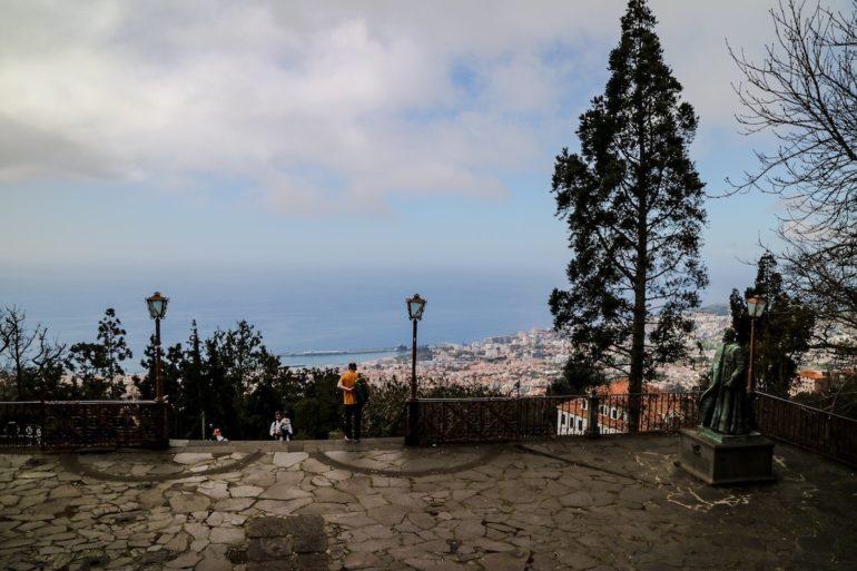 Madeira Sehenswürdigkeiten - Ausblick von Monte auf Funchal