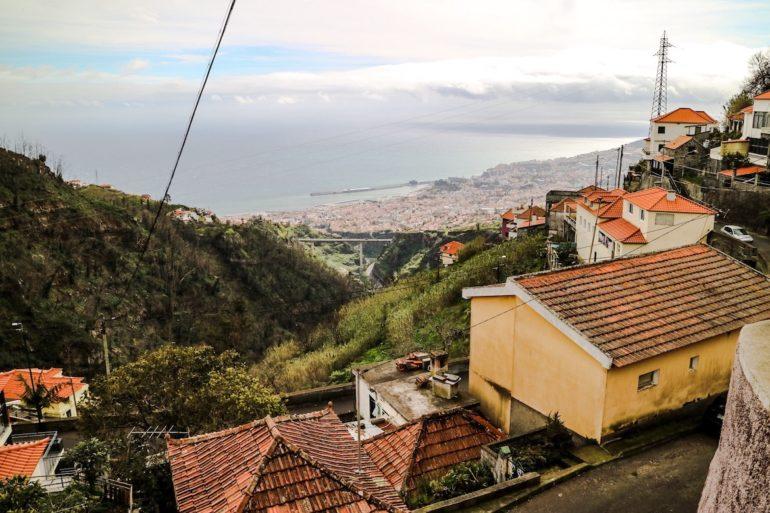 Madeira Sehenswürdigkeiten - Levadawanderung - einer von vielen Ausblicken auf Funchal