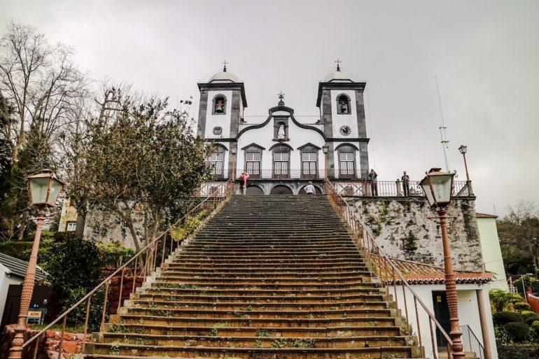 Madeira Sehenswürdigkeiten - Nossa Senhora do Monte - Blick nach oben