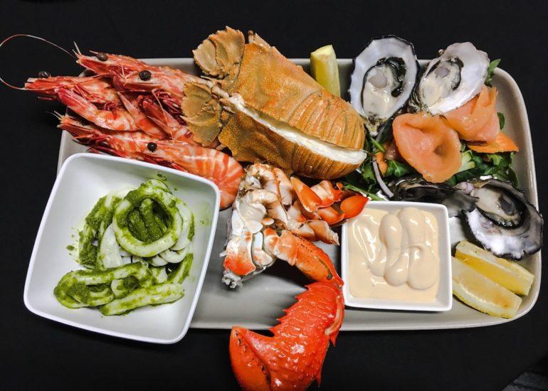 Whitsundays: Teller mit Meeresfrüchten