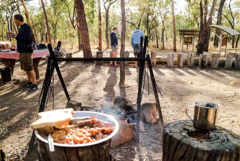 Great Barrier Reef: Bush Breakfast bei der Undara Experience