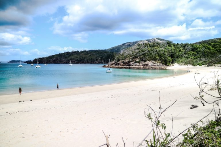 Whitsundays: Einsamer Strand in Chance Bay.