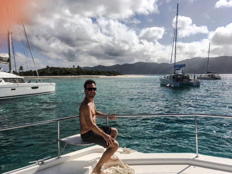 Britische Jungferninseln: Marco Buch auf einem Katamaran