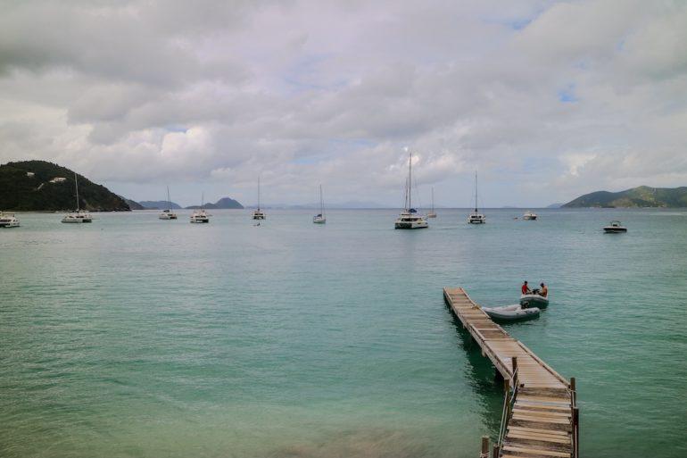 Britische Jungferninseln: Blick auf Cane Garden Bay Tortola