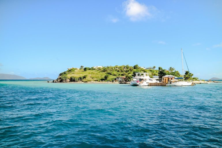 Britische Jungferninseln: Blick auf Marina Cay