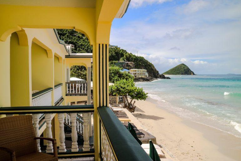 Britische Jungferninseln: Ausblick auf den Strand vom Sebastian's Hotel