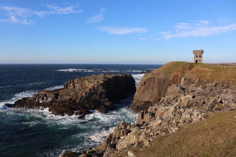 Unbekannte Reiseziele: Küste mit Meer in Donegal, Irland