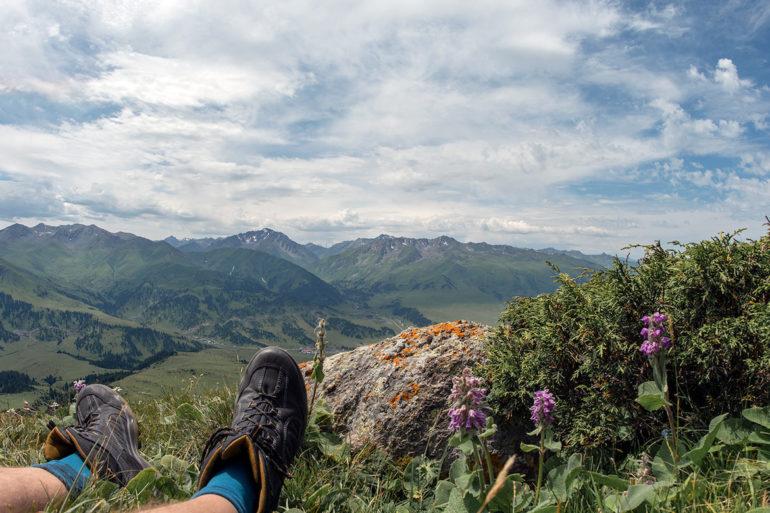 Unbekannte Reiseziele: Blick auf Berglandschaft in Kirgisistan