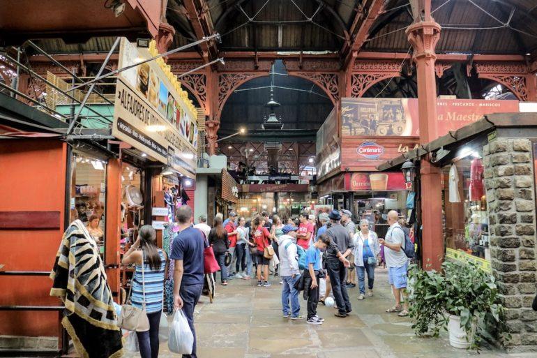 Uruguay Sehenswürdigkeiten: Mercado del Puerto in Montevideo