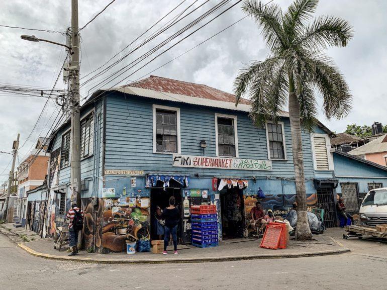 Altes Haus in Falmouth bei einem Jamaika Urlaub