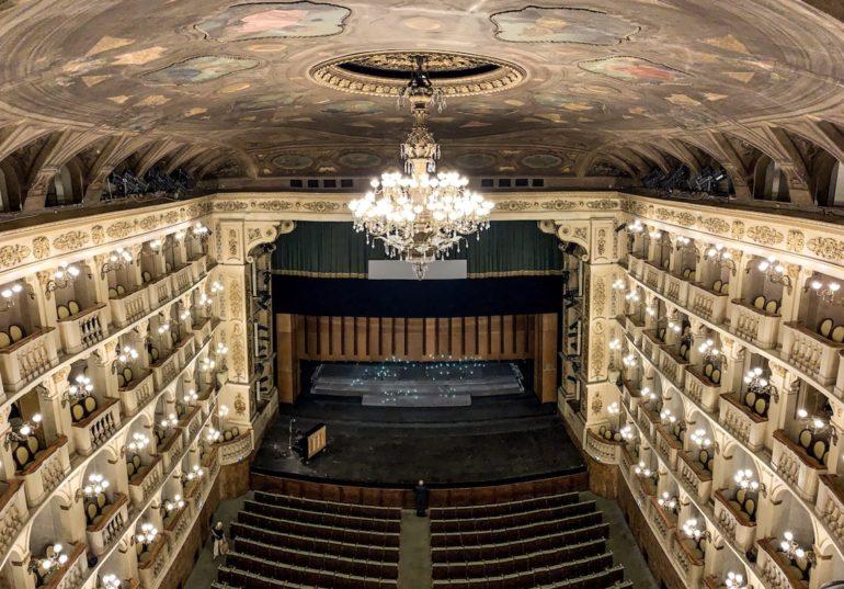 Emilia Romagna: Blick ins Teatro Comunale Bologna