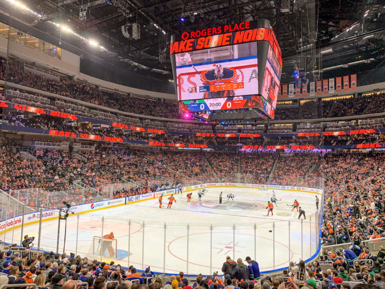 Alberta Highlights: Eishockeyspiel im Rogers Place