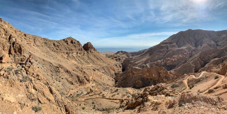 Berge und Himmel im Oman