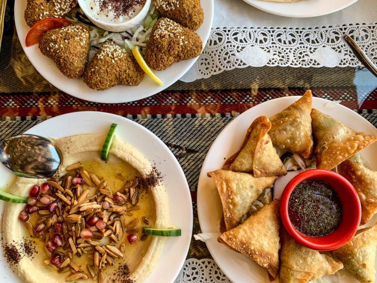 Verschiedene arabische Gerichte in Maskat