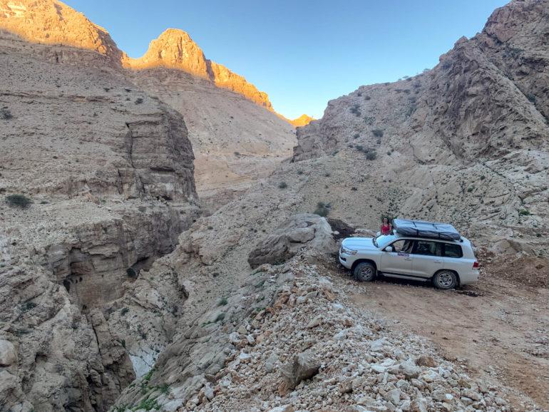 Geländewagen auf einem Oman Roadtrip