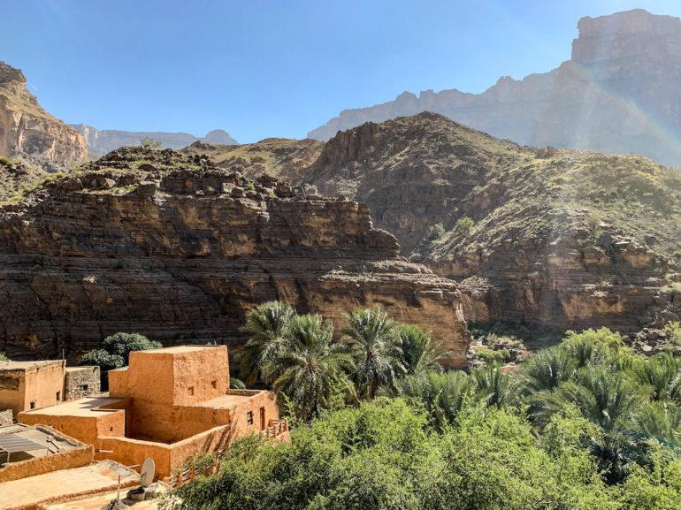 Haus und Berge im Wadi Ghul