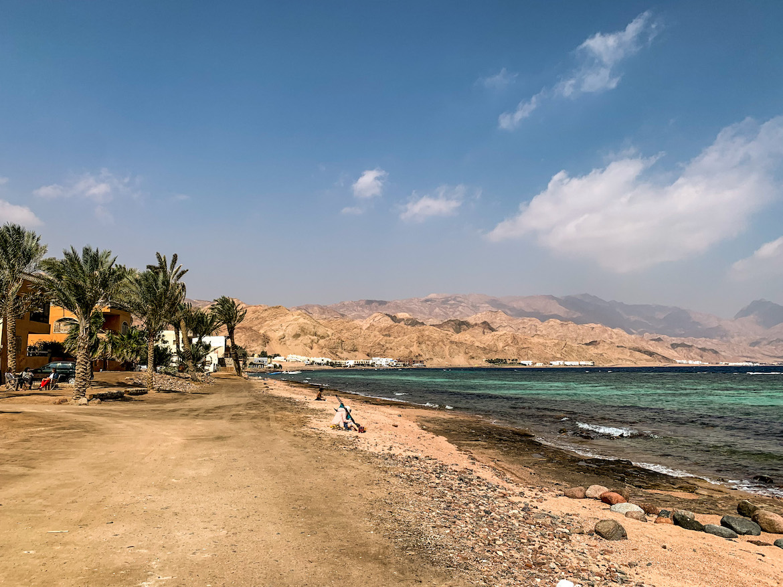 Strand und Berge in Dahab